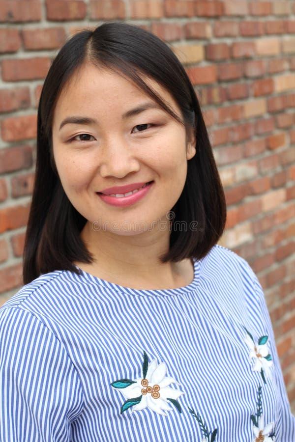 Conceito asiático da mulher e do sucesso imagens de stock royalty free