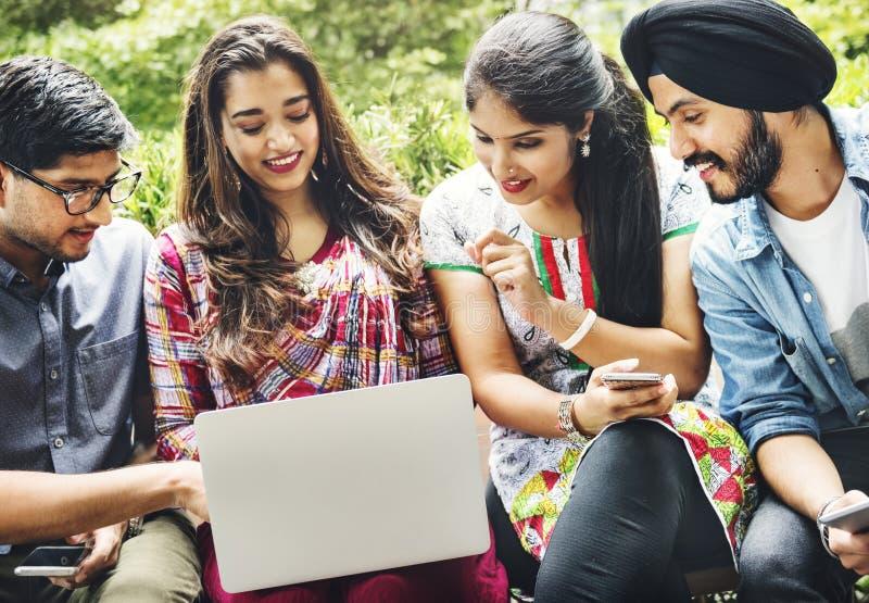Conceito asiático do Oriente Médio da comunidade da afiliação étnica indiana imagens de stock