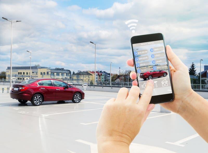 Conceito automático do estacionamento imagens de stock royalty free