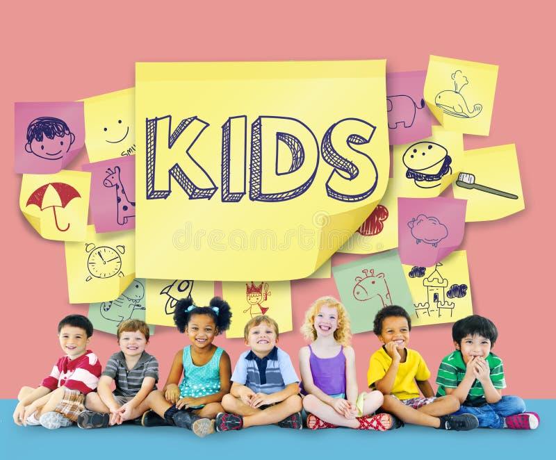Conceito brincalhão da infância da apreciação da felicidade das crianças fotografia de stock royalty free
