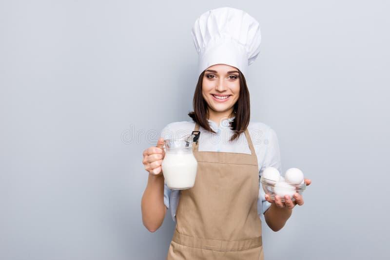Conceito caseiro da cozinha da pessoa dos povos da mulher de negócios do negócio P fotografia de stock