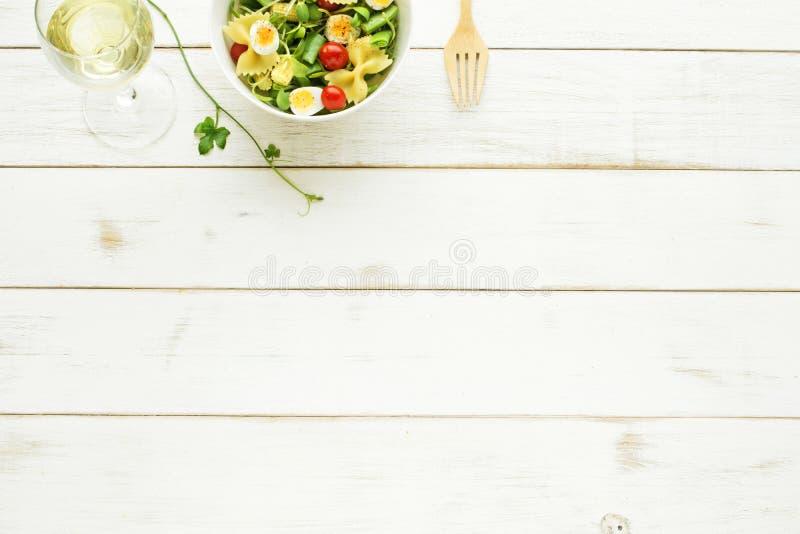 Conceito claro da refeição do verão Copie o espaço fotografia de stock