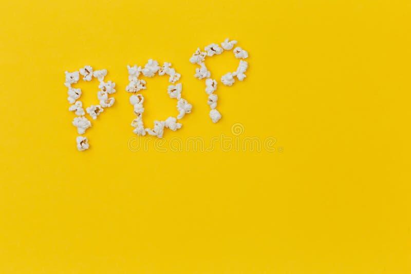 Conceito colocado liso do musica pop música da pipoca espaço da vista lateral para o texto foto de stock