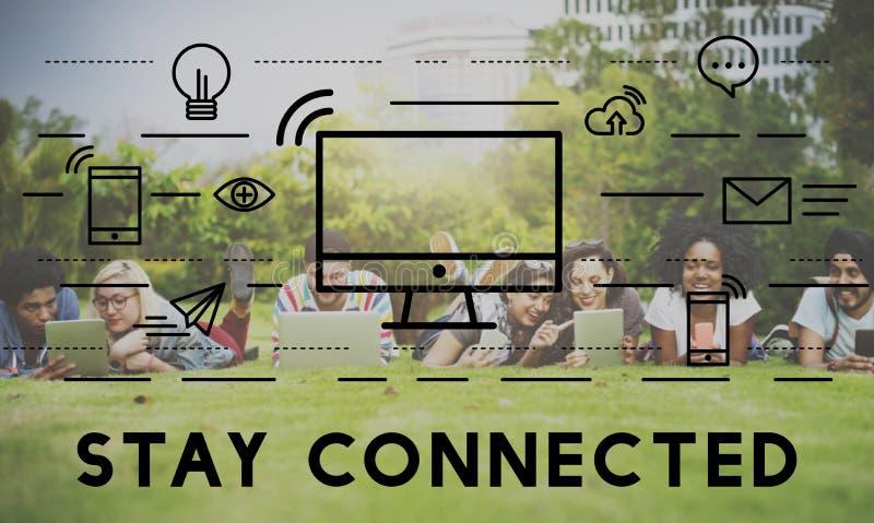 Conceito conectado estada dos meios da conexão de uma comunicação fotos de stock royalty free