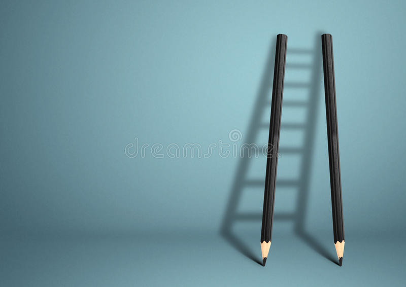 Conceito criativo do sucesso, escada do lápis com espaço da cópia imagens de stock