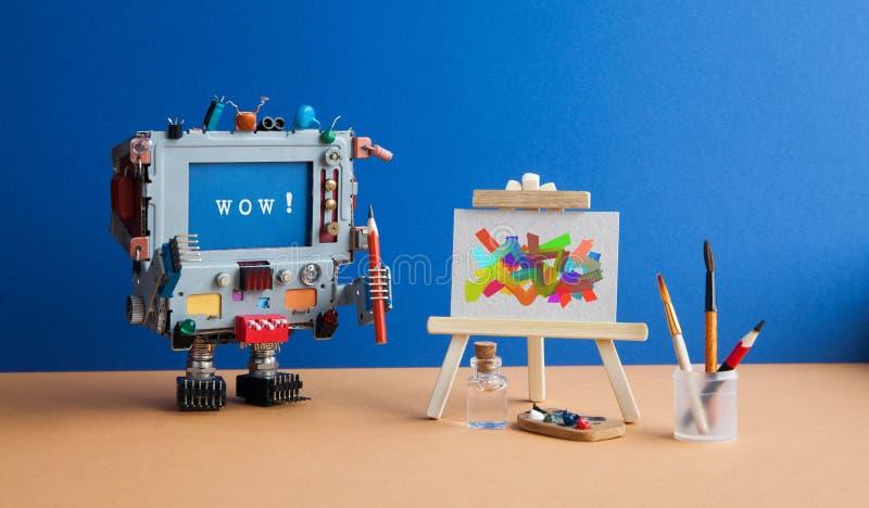 Conceito da arte e da inteligência artificial Computador surpreendido do robô com escova do lápis e mensagem wow na tela imagens de stock