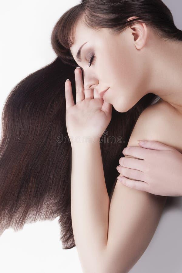 Conceito da beleza Fêmea moreno caucasiano bonito imagens de stock royalty free
