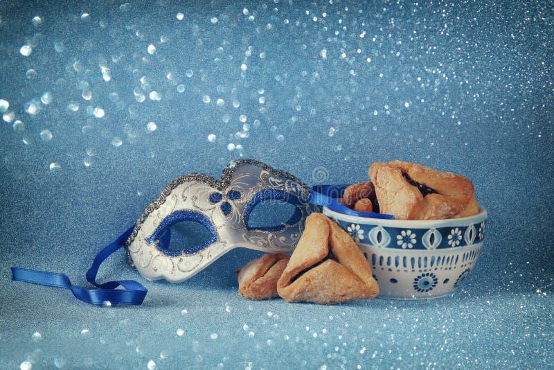 Conceito da celebração de Purim (feriado judaico do carnaval) Foco seletivo fotos de stock royalty free