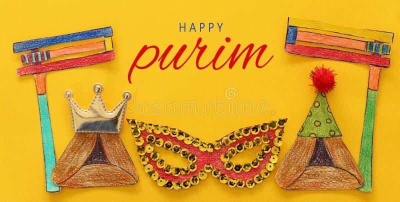 Conceito da celebração de Purim & x28; holiday& judaico x29 do carnaval; Formas tradicionais dos símbolos cutted do papel fotografia de stock royalty free