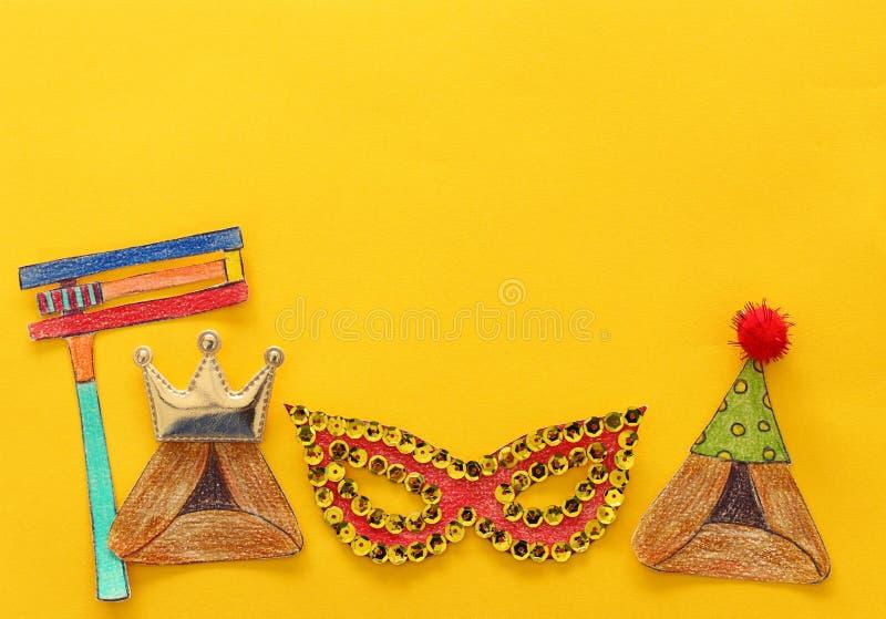 Conceito da celebração de Purim & x28; holiday& judaico x29 do carnaval; Formas tradicionais dos símbolos cutted do papel fotos de stock royalty free