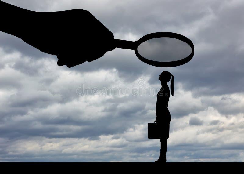 Conceito da desigualdade e do preconceito do gênero contra trabalhadores de mulheres imagens de stock royalty free