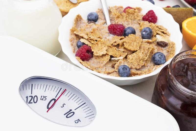 Conceito da dieta e para perder o peso foto de stock