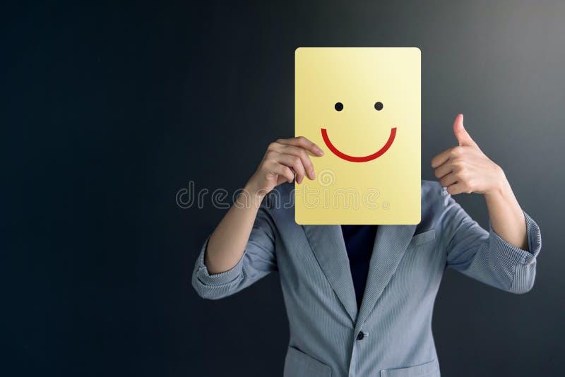 Conceito da experiência do cliente, retrato da mulher do cliente com polegar fotografia de stock