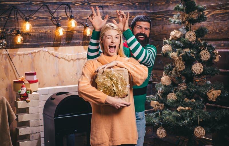Conceito da felicidade da família Expressões faciais das emoções humanas positivas Natal da família feliz feriados e povos de inv imagem de stock