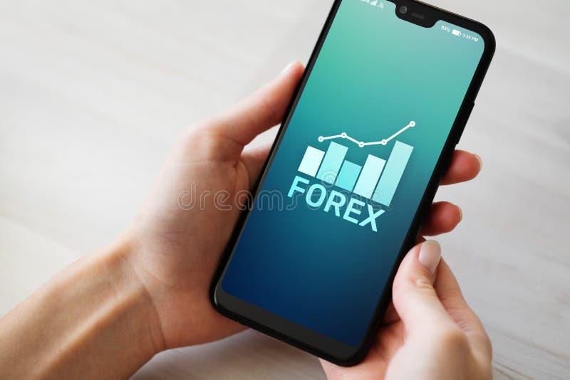 Conceito da finan?a do investimento de troca da moeda do mercado de valores de a??o dos estrangeiros na tela do telefone celular imagens de stock