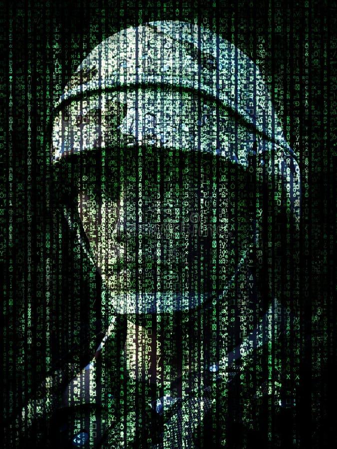 Conceito da guerra do Cyber Soldado militar encaixado no código binário do símbolo do Internet do computador ilustração royalty free