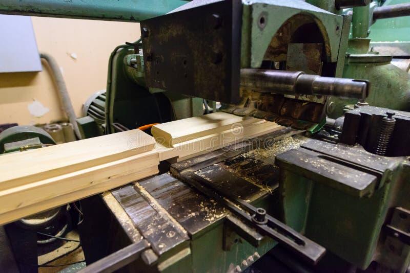 Conceito da indústria da produção, da fabricação e do woodworking Equipm fotos de stock