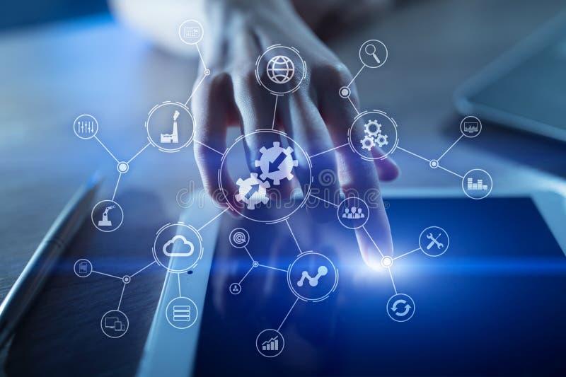 Conceito da integração Tecnologia industrial e esperta Soluções do negócio e da automatização fotos de stock royalty free