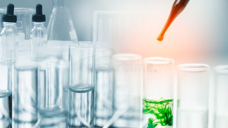 Conceito da investigação e desenvolvimento do laboratório fotografia de stock