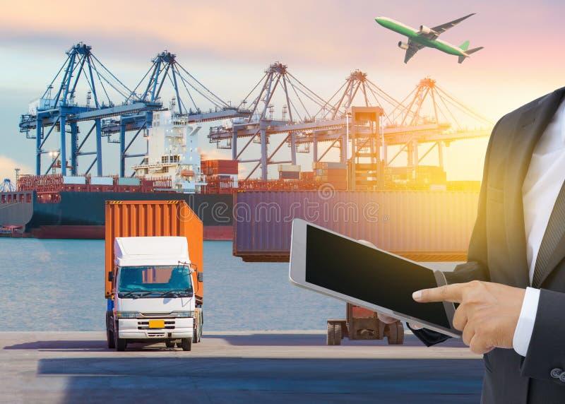 Conceito da logística de negócio, conexão global do sócio da relação da tecnologia da conexão de negócio global do frete da carga foto de stock royalty free