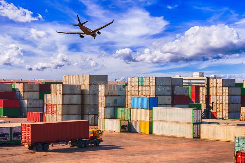 Conceito da logística de negócio, logística e transporte do Cont imagem de stock