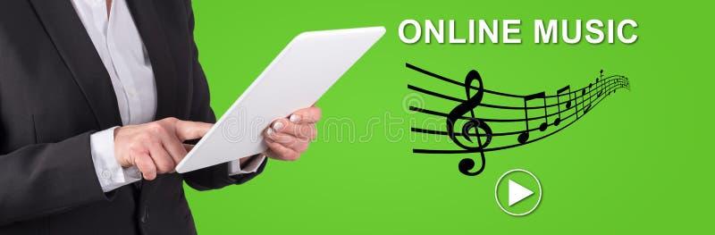 Conceito da música em linha imagens de stock royalty free