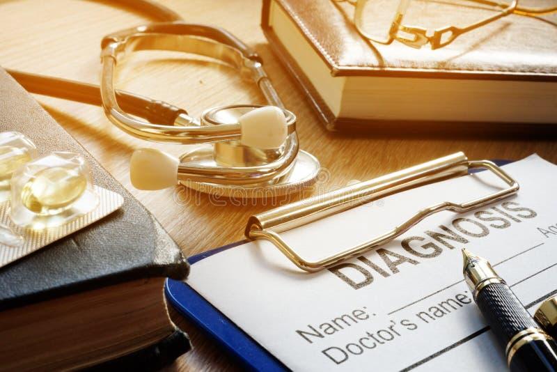 Conceito da medicina Formulário, estetoscópio e medicinas do diagnóstico fotografia de stock royalty free