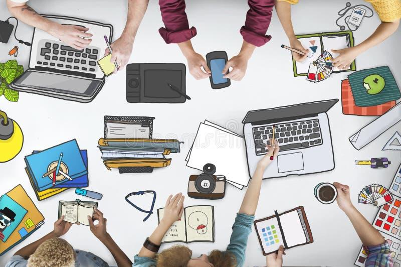 Conceito da mesa do caderno do Desktop da opinião superior da estação de trabalho imagem de stock royalty free