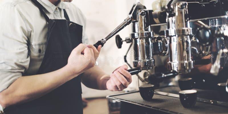 Conceito da ordem de Barista Prepare Coffee Working imagens de stock royalty free
