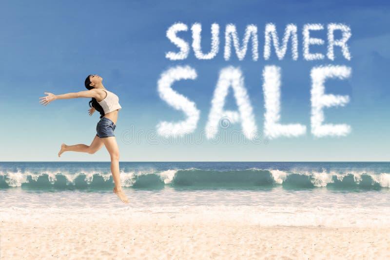Conceito 1 da promoção de venda do verão fotografia de stock