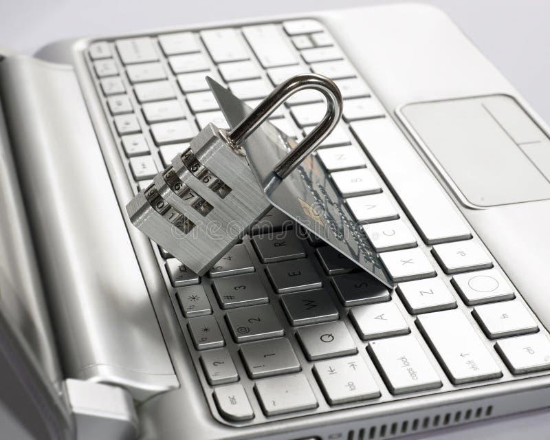 Conceito da segurança dos pagamentos do Internet (transação segura) Cartão de crédito, cadeado Criptografia de dados, retai fotografia de stock royalty free