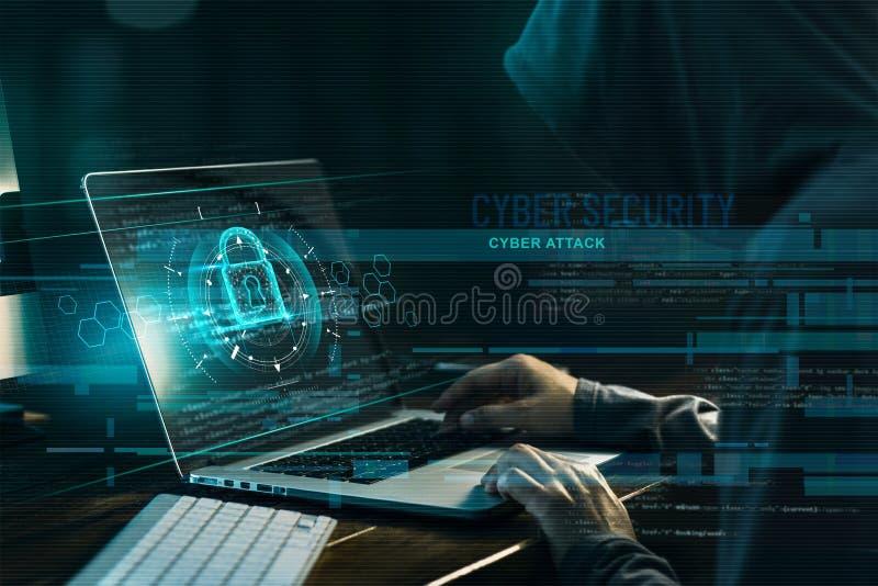 Conceito da seguran?a do Cyber Crime do Internet Hacker que trabalha em um código e em uma rede com ícone do fechamento foto de stock