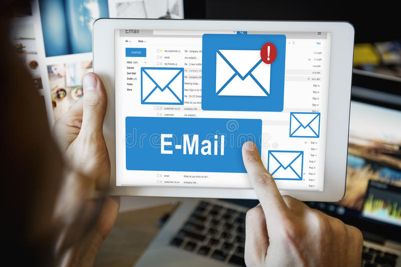 Conceito da tecnologia de comunicação da correspondência do email imagem de stock