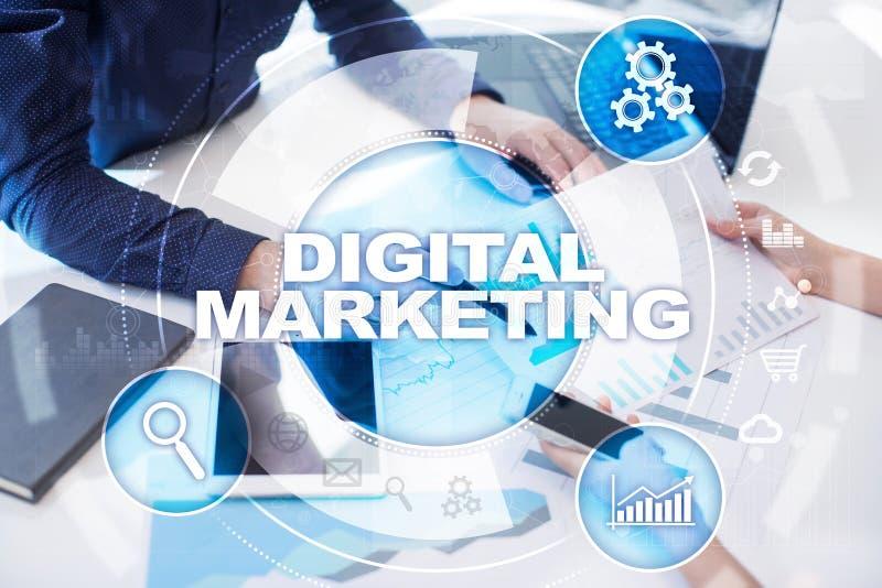 Conceito da tecnologia do mercado de Digitas Internet On-line Otimização do Search Engine SEO SMM anunciar fotos de stock royalty free