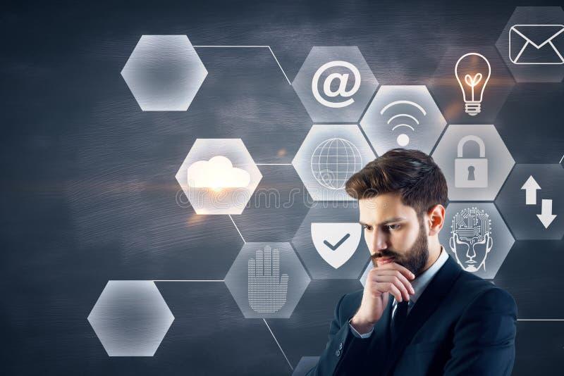 Conceito da tecnologia e do Internet foto de stock