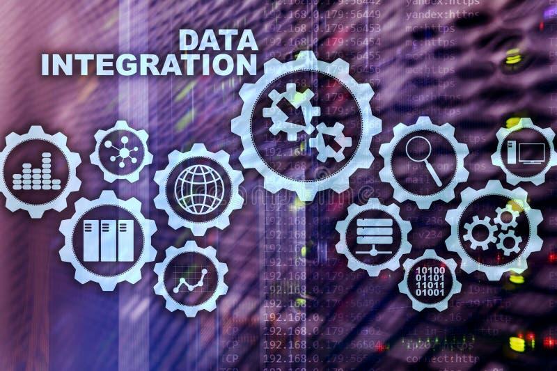 Conceito da tecnologia da informação do negócio da integração de dados no fundo da sala do servidor foto de stock