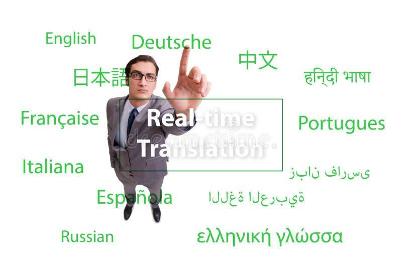 Conceito da tradução do tempo real da língua estrangeira fotos de stock
