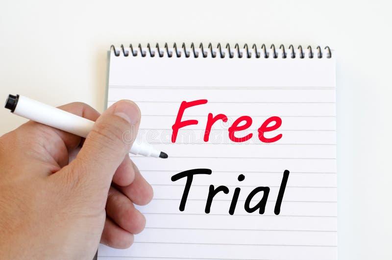 Conceito da versão de avaliação gratuita no caderno imagens de stock royalty free
