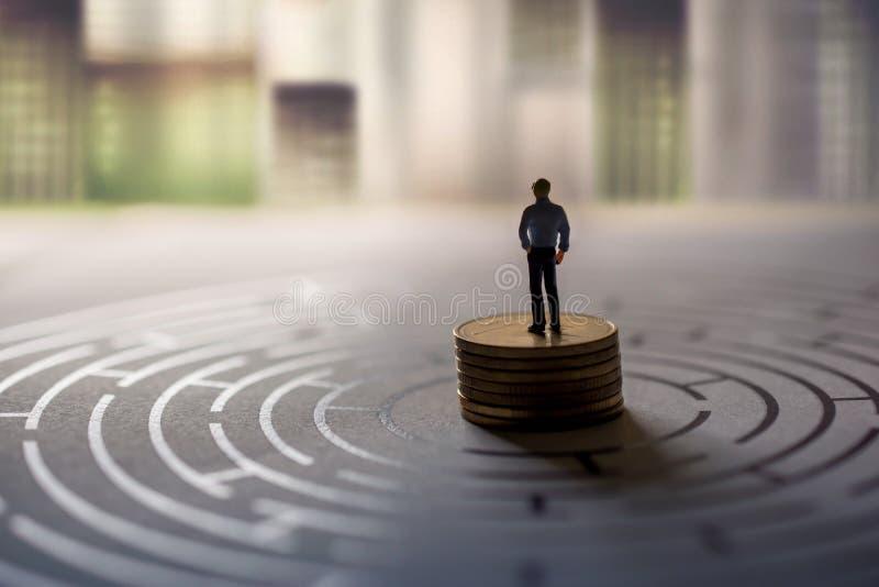 Conceito da visão do desafio, do sucesso e do negócio presente por Minia foto de stock