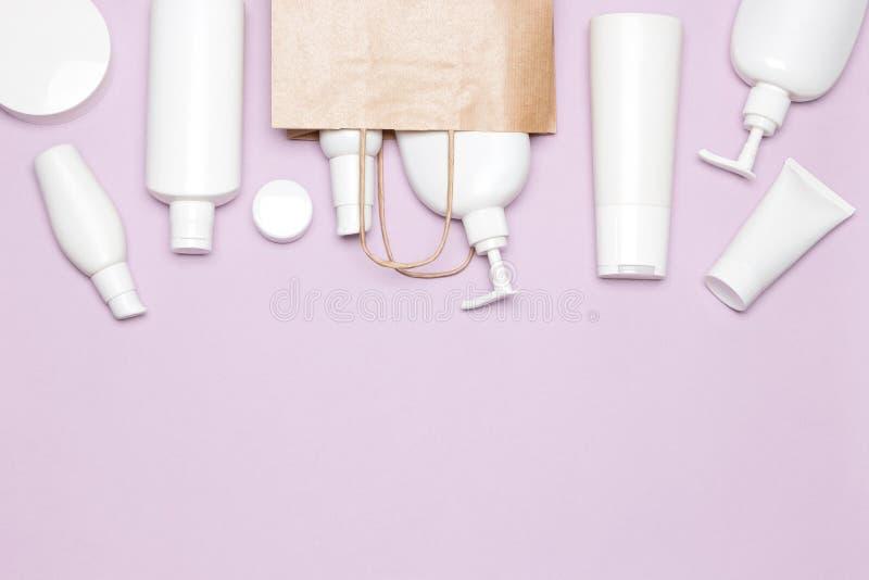 Conceito de compra dos cosméticos com espaço da cópia fotografia de stock