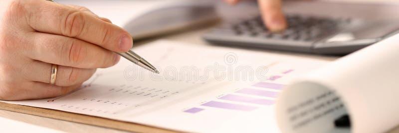Conceito de contabilidade de financiamento da empresa fotos de stock
