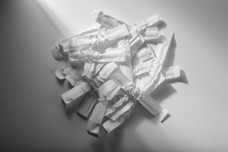 Conceito de desperd?cio de papel emptiness fotos de stock royalty free