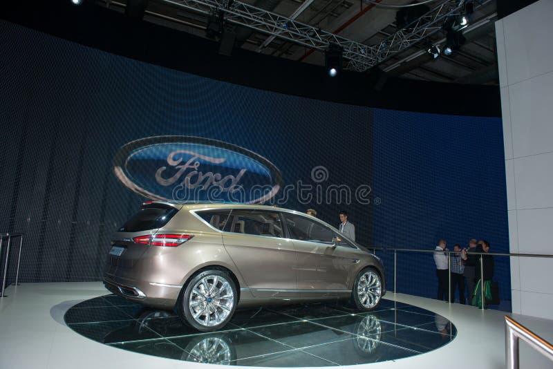 Conceito de Ford S-MAX - estreia mundial fotos de stock royalty free