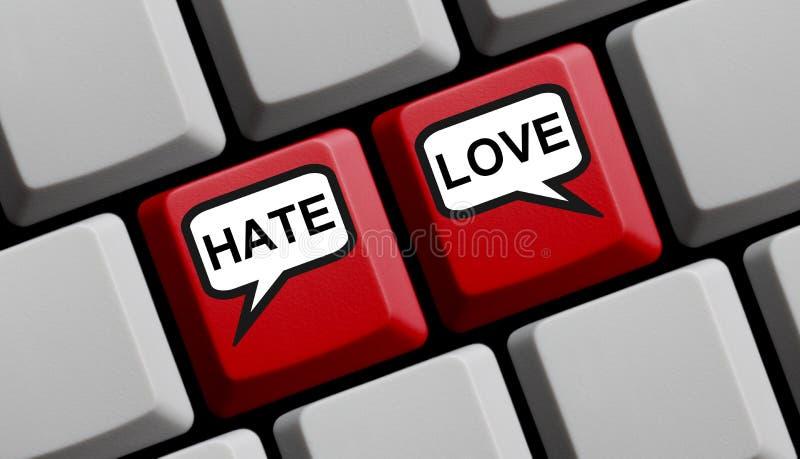 Conceito de Internet - Amar ou Odiar online no teclado do computador imagens de stock royalty free