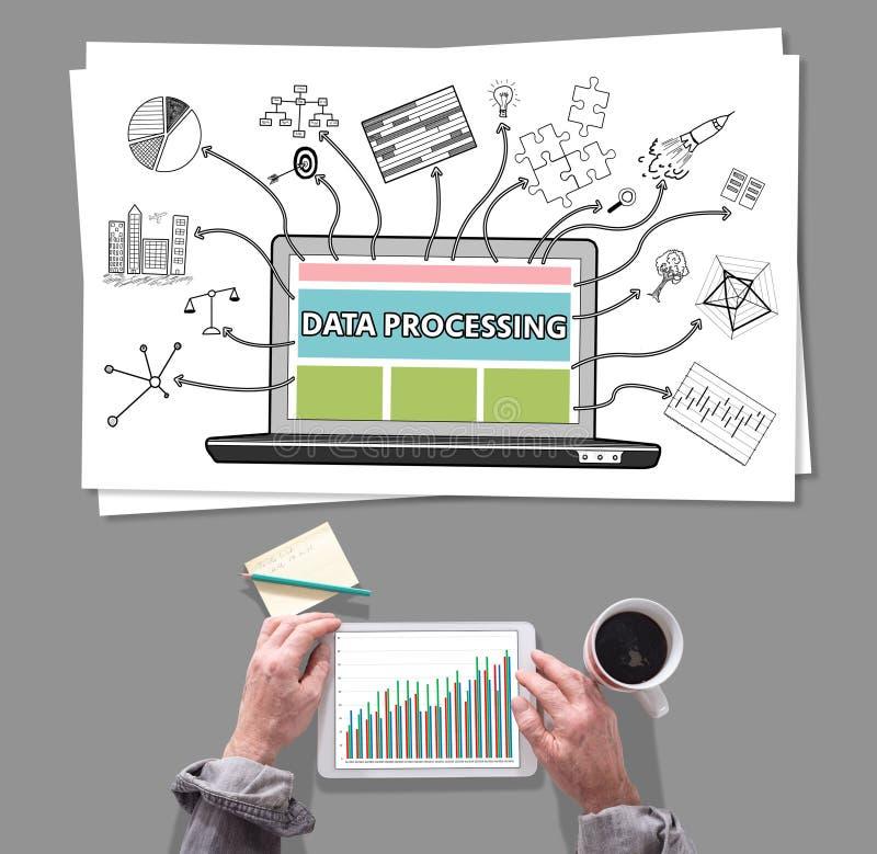 Conceito de processo de dados colocado em uma mesa imagem de stock royalty free