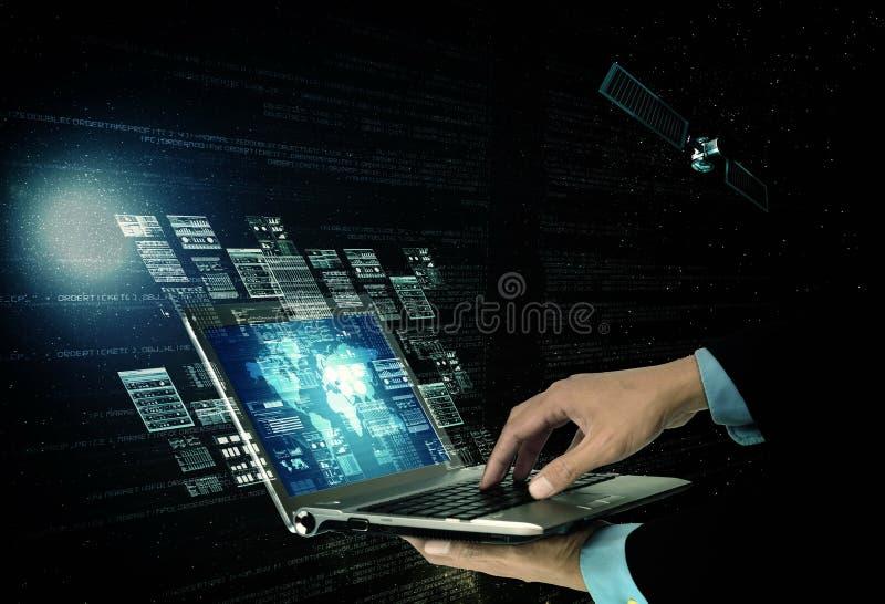 Conceito de programação da tecnologia da informações na internet fotos de stock