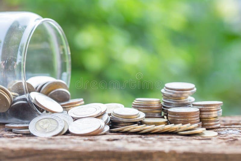 Conceito de queda do investimento e da economia financeira fotografia de stock royalty free