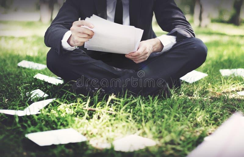Conceito de Stressful Sadness Failure do homem de negócios fotografia de stock royalty free