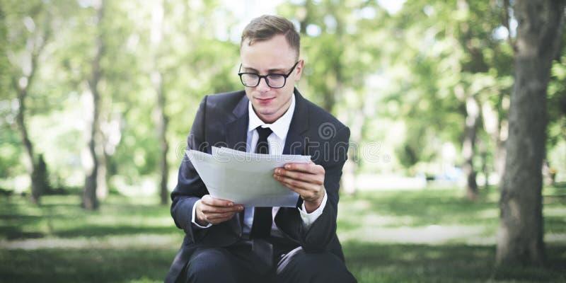 Conceito de Stressful Sadness Failure do homem de negócios foto de stock royalty free