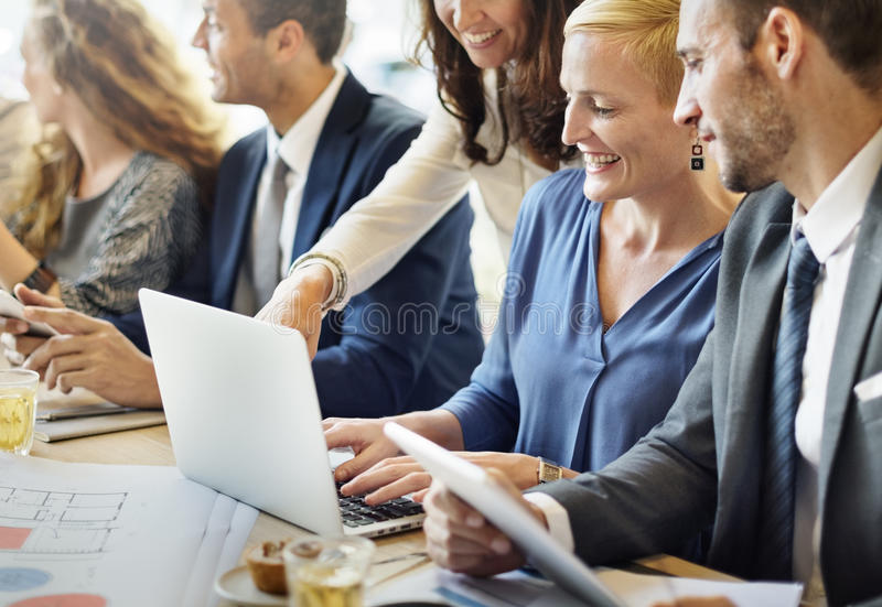 Conceito de Team Engineering Corporate Discussion Workplace foto de stock